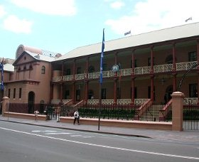 Parliament House - Wagga Wagga Accommodation