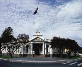 Museum of The Riverina - Historic Council Chambers Site - Wagga Wagga Accommodation